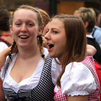 Dindl-Lederhosen-Polonaise Weltrekord 2014_11