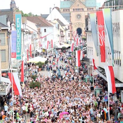 Dindl-Lederhosen-Polonaise Weltrekord 2014_15