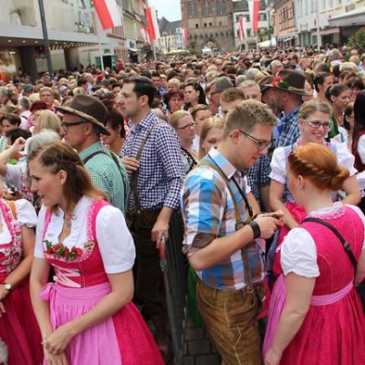 Dindl-Lederhosen-Polonaise Weltrekord 2014_25