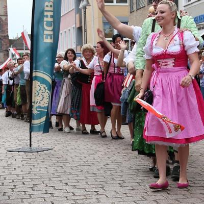 Dindl-Lederhosen-Polonaise Weltrekord 2014_31