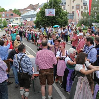 Dindl-Lederhosen-Polonaise Weltrekord 2014_47