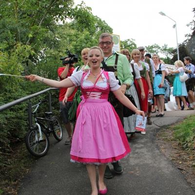 Dindl-Lederhosen-Polonaise Weltrekord 2014_48