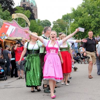 Dindl-Lederhosen-Polonaise Weltrekord 2014_49