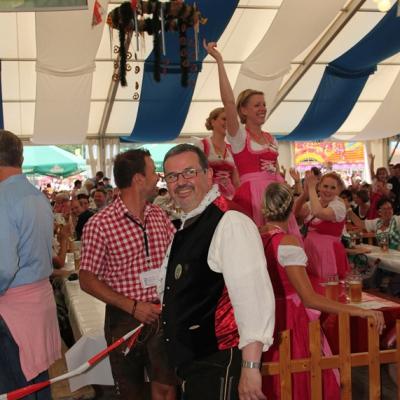 Dindl-Lederhosen-Polonaise Weltrekord 2014_56