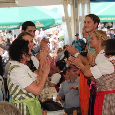 Dindl-Lederhosen-Polonaise Weltrekord 2014_58