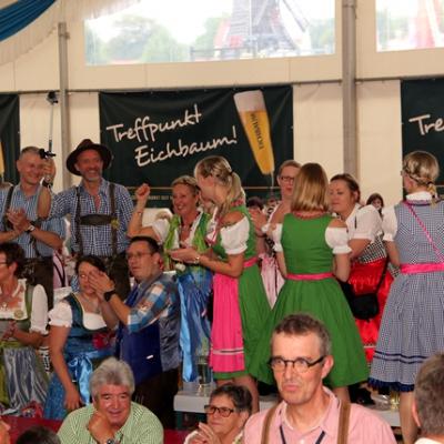Dindl-Lederhosen-Polonaise Weltrekord 2014_59