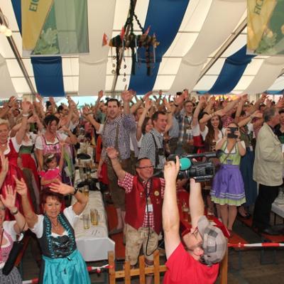Dindl-Lederhosen-Polonaise Weltrekord 2014_69
