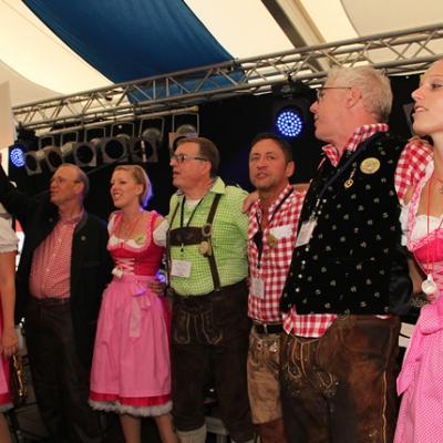 Dindl-Lederhosen-Polonaise Weltrekord 2014_74
