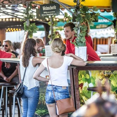 Freitag - Buntes Treiben auf dem Festplatz_24