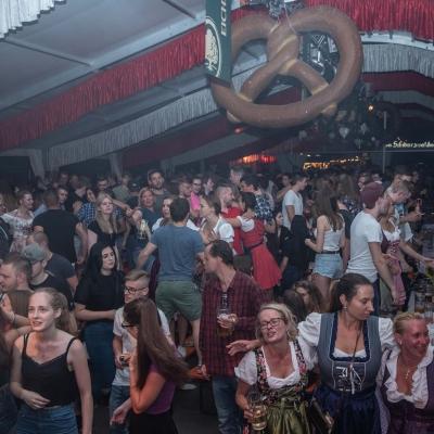 Brezelfest-Samstag-Festplatz_16