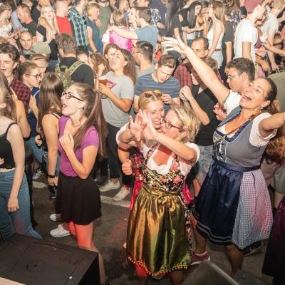 Brezelfest-Samstag-Festplatz_17