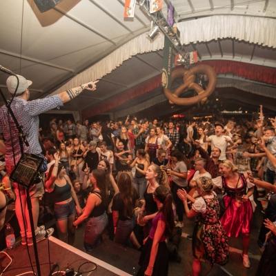 Brezelfest-Samstag-Festplatz_19