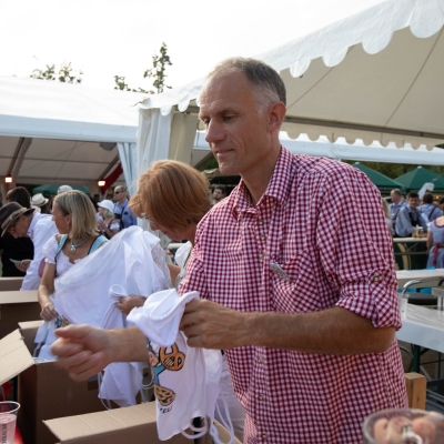 Brezelfest-Samstag-Festplatz_1