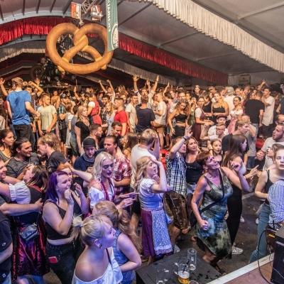 Brezelfest-Samstag-Festplatz_24