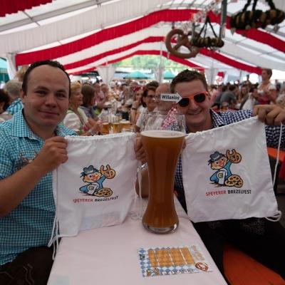 Brezelfest-Samstag-Festplatz_2