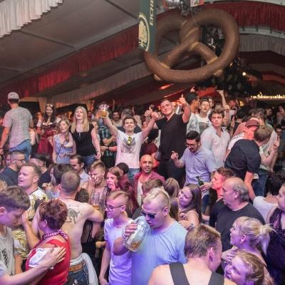 Brezelfest-Samstag-Festplatz_30