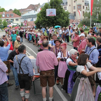 Dirndl-Lederhosen-Polonaise 2014_33